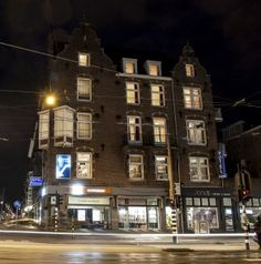Hotel princess in Amsterdam. Take a look at this hotel if you have a small budget, find out if there are still any available rooms. Budget Hotels, Van Gogh Museum, Netherlands, Amsterdam, Budgeting, Multi Story Building, Europe, Princess, The Nederlands