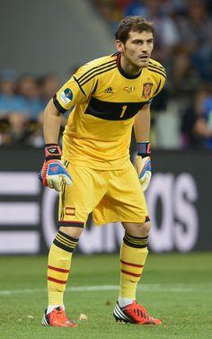 Iker Casillas Goalkeeper Tips For Soccer - image 9