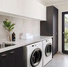 Black and white laundry room – Hauswirtschaftsraum – Wood Worck White Laundry Rooms, Modern Laundry Rooms, Laundry Room Shelves, Laundry Room Remodel, Farmhouse Laundry Room, Laundry Room Organization, Laundry In Bathroom, Laundry Closet, Storage Shelves