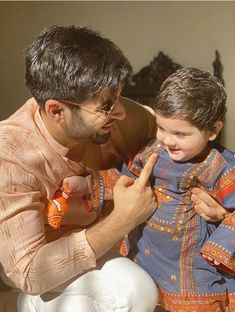 Best Couple Pictures, Baby Family Pictures, Cute Baby Couple, Cute Babies, All Actress, Cute Kids Fashion, Pakistani Bridal Dresses, Designs For Dresses, Daddy Daughter