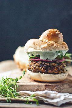 Black Rice and Mushroom Burgers with Cucumber Garlic Yogurt {recipe} food and recipes. Burger Recipes, Vegetarian Recipes, Cooking Recipes, Healthy Recipes, Drink Recipes, Delicious Recipes, Healthy Food, Flammkuchen Vegan, Mushroom Burger