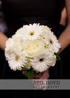 White Daisy wedding bouquet.  Raleigh, North Carolina black & white colored flowers.