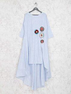 Pakistani Dresses Casual, Indian Fashion Dresses, Pakistani Dress Design, Kurta Cotton, Cotton Tunics, Simple Kurti Designs, Kurta Designs, Kurti Patterns, Dress Sewing Patterns