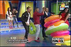 Los Famosos Juegan En Aquí Se Habla Español, Buscando Salva Vidas Con Chapaletas Puestas