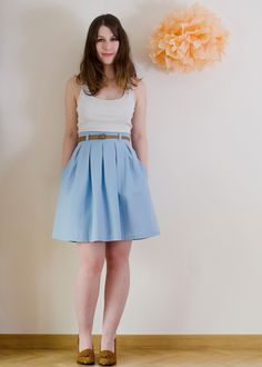Chardon skirt: Perfect Skirt Pattern: High Waist and inverted box pleat!