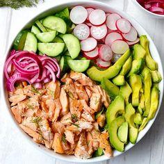 Salmon, Avocado & Radish Salad with Creamy Dill Dressing Radish Recipes, Avocado Recipes, Healthy Salad Recipes, Whole Food Recipes, Salmon Recipes, Healthy Meals, Vegetarian Recipes, Cooking Recipes, Salmon Avocado
