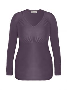 Flattering empire-cut royal blue top, with a V-shaped neckline.Made of soft, lightweight cotton. Easy to mix and match with skirts, shorts or trousers, depending if you want a casual or more formal look!  Colour: light purple Length: 62-67cm Material: 92% Cotton, 8% Elastane Machine washable
