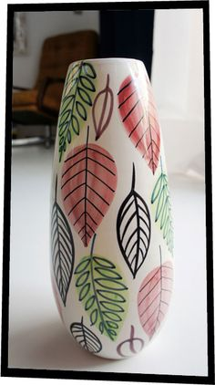 "Stig Linberg ""Italy"" vase. 1960  www.nitelshop.com Stig Lindberg, Plant Stands, Tree Patterns, Mid Century Style, Porcelain Ceramics, Clay Pots, Nice Things, Vintage Ceramic, Flower Pots"