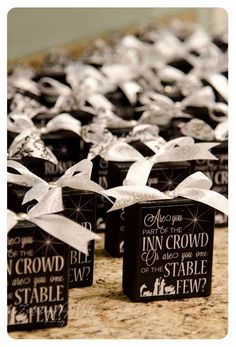 Inn Crowd or Stable Few Christmas Craft. Great for Super Saturday craft! Free printable gift idea