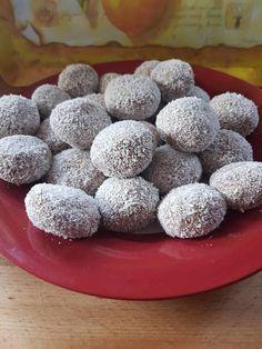 csokis tejszínes gesztenyés Hungarian Desserts, Hungarian Recipes, Hungarian Food, Candy Recipes, Sweet Recipes, Dessert Recipes, Sweet Desserts, Delicious Desserts, Yummy Food