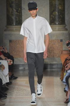 The Les Hommes collection was boldly embraced the new streetwear-sportswear hybrid. #MilanFashionWeek
