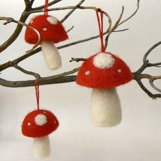 needle felted mushrooms...#felt #needle