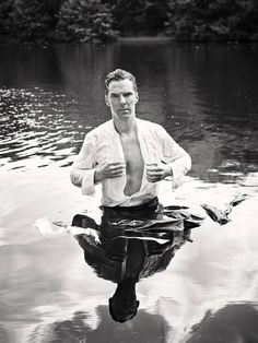 Breaking news: BeneDELICIOUS Cumberbabe jumped in a lake for charity. DOES THIS MAN'S HOTNESS KNOW NO BOUNDS?!