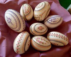 Ostereiermarkt Schleife 2015 GänseEier Egg Crafts, Diy And Crafts, Egg Shell Art, Faberge Eggs, Egg Art, Egg Decorating, Egg Shells, Happy Easter, Holiday Fun