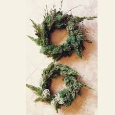 great vancouver florist Last wreaths in Seoul #wreath #christmasdecorations #freshwreath #juniperberry by @hyunsun.shin  #vancouverflorist #vancouverflorist #vancouverwedding #vancouverweddingdosanddonts