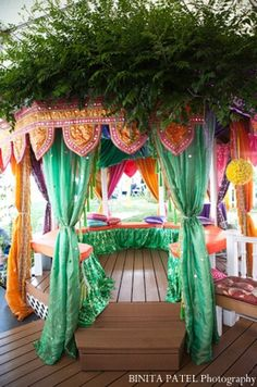 Outdoor canopy decor ideas for Indian wedding mehndi party.