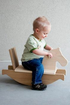 jouets en bois, jouet bois cheval berçant