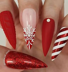 """""""your success is our reward"""" – Ugly Duckling Nails Inc. Beautiful Christmas nails by Ugly Duckling Art Educator 😍 Ugly Duckling Nails is d Chistmas Nails, Cute Christmas Nails, Xmas Nails, Christmas Nail Designs, Holiday Nails, Red Glitter Nails, Christmas Acrylic Nails, Christmas Design, Christmas Photos"""