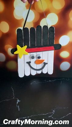 Snowman Crafts, Ornament Crafts, Christmas Projects, Fall Crafts, Kids Christmas, Halloween Crafts, Holiday Crafts, Diy Arts And Crafts, Craft Stick Crafts