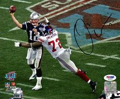 Osi Umenyiora Autographed NY Giants SB XLII 8x10 Photo  1 Sacking Tom Brady  PSA  4faefecf9