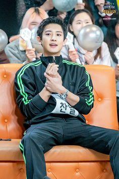 Chanyeol in ISAC bowling competition Kris Wu, Luhan And Kris, Baekhyun Chanyeol, Exo Ot12, Chanbaek, Chansoo, Rapper, Z Cam, Xiuchen
