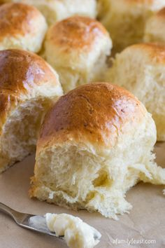 Parmesan Pull-Apart Rolls ~ The recipe was super easy and the dough was extremely user friendly – and this is really a perfect recipe for anyone looking to try their hand at homemade dinner rolls!