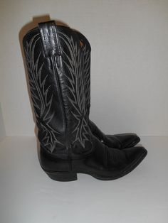 Womens Vintage boots country western     by ATELIERVINTAGESHOP, $85.00