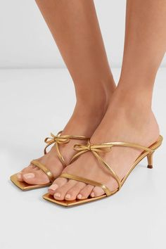 Find and compare January bow-detailed metallic leather sandals across the world's largest fashion stores! Giuseppe Zanotti Heels, Metallic Leather, Shoe Brands, Best Brand, Leather Sandals, Designer Shoes, Fashion Shoes, Women's Fashion, Kitten Heels