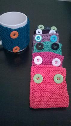 2 cover mug on sale now on Etsy!! Visit my store! 2 copritazza colorati in cotone con bottoni di FromAnnAsHands su Etsy