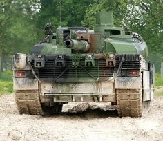 Arm Armor, French Army, Battle Tank, Army & Navy, Military Equipment, France, Special Forces, Warfare, Military Vehicles