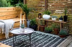 Small outdoor spaces suffer the same fate as indoor rooms— where to put all the clutter? Outdoor furniture cushions, lamps, and pillows all need a place to live when you're not using them. Small Patio Design, Garden Design, Large Backyard Landscaping, Backyard Ideas, Patio Ideas, Landscaping Ideas, Fence Ideas, Patio Grande, Outdoor Rugs