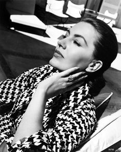 Cyd Charisse in houndstooth