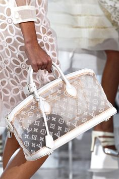 Celebrities who wear, use, or own Louis Vuitton Spring 2012 Monogram Transparent Lockit East-West Bag. Also discover the movies, TV shows, and events associated with Louis Vuitton Spring 2012 Monogram Transparent Lockit East-West Bag. Prada Handbags, Handbags Michael Kors, Fashion Handbags, Purses And Handbags, Fashion Bags, Handbags Online, Prada Tote, Cheap Fashion, Fashion Fashion