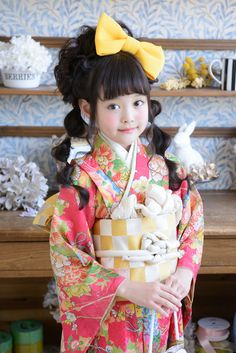 Japanese kimono girl. So cute!