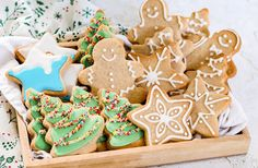 Holiday Candy, All You Need Is Love, Food N, Afternoon Tea, Gingerbread Cookies, Sweet Tooth, Bakery, Favorite Recipes, Healthy Recipes