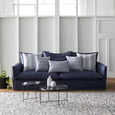 Sticking with the classic look, but still stylish. Sofa Upholstery, Fabric Sofa, Upholstered Chairs, Living Room Sofa, Home Living Room, Dining Room, Family Room Curtains, New Home Essentials, Navy Sofa