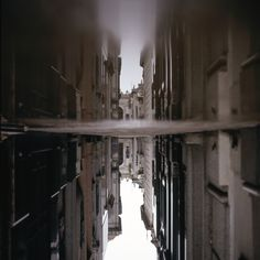 #photography #outdoor #wide #environment #urban #daylight #reflection #patrickjoust #street