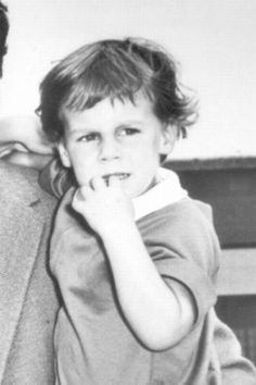 *JAMIE LEE CURTIS ~ childhood photo, this picture still resembles her!