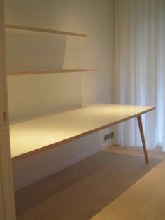 """Fabrikaat - Maatwerk en inrichting - inrichting appartement werkblad + schabben in berken multiplex bekleed met ABET laminaat """"LUCIDA"""""""