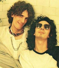 Spinetta, Fito. Flacos, maestros. Like A Rolling Stone, Rolling Stones, Music Do, Pop Music, Recital, Rock N Roll, Rock Argentino, Musical Hair, Inspirational Music