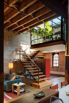 Warehouse Loft in NYC by Andrew Franz Architects. (Photography: Albert Vecerka)