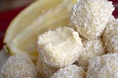 keto lemon coconut fat bombs Coconut Fat Bombs, Coconut Balls, Lemon Coconut, Coconut Sugar, No Bake Lemon Cheesecake, Keto Cheesecake, Chocolate Cheesecake, Keto Cookies, Sweet Cookies
