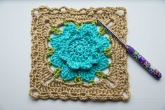Rebekah's Flower Square: free #crochet pattern