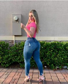 Curvy Outfits, Jean Outfits, Superenge Jeans, Skinny Jeans, Best Jeans, Athletic Women, Girls Jeans, Beautiful Legs, Perfect Body