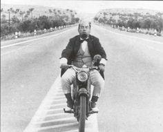 Ξέρεις από βέσπα? Old Greek, Great Movies, Cinema, Winter Jackets, Motorcycle, Actors, Retro, Vehicles, Films