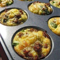 """Broccoli and Italian Sausage Egg Muffins. These look so yummy, Kirsten! I bet I can make them into """"Omelette Muffins""""! Sausage Egg Muffins, Omelette Muffins, Breakfast Omelette, Sausage And Egg, Breakfast Dishes, Breakfast Recipes, Turkey Sausage, Breakfast Ideas, Cheese Turkey"""