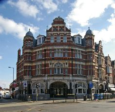 """""""The Salisbury"""" public house, Harringay. Hornsey. Grade II listed late Victorian hotel-public houses built to the designs of architect John Cathles Hill (1857-1915). He was also responsible for the equally impressive Queen's Hotel in nearby Crouch End."""