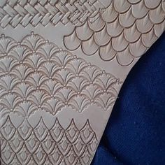 Tools for leather crafts. Sculpture Sur Cuir, Used Cnc Machines, Machine Cnc, Leather Tooling Patterns, Leather Stamps, Leather Carving, Islamic Art Calligraphy, Flower Center, Custom Stamps