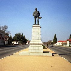 Statue of Cecil Rhodes (Andy961) Tags: africa film statues zimbabwe salisbury monuments picnik kodacolor 126 harare rhodesia cecilrhodes