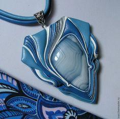 """Pingentes artesanais.  Mestres Fair - feito à mão.  Compre Couro Colares """"Blue Dream 2"""".  Handmade.  azul"""